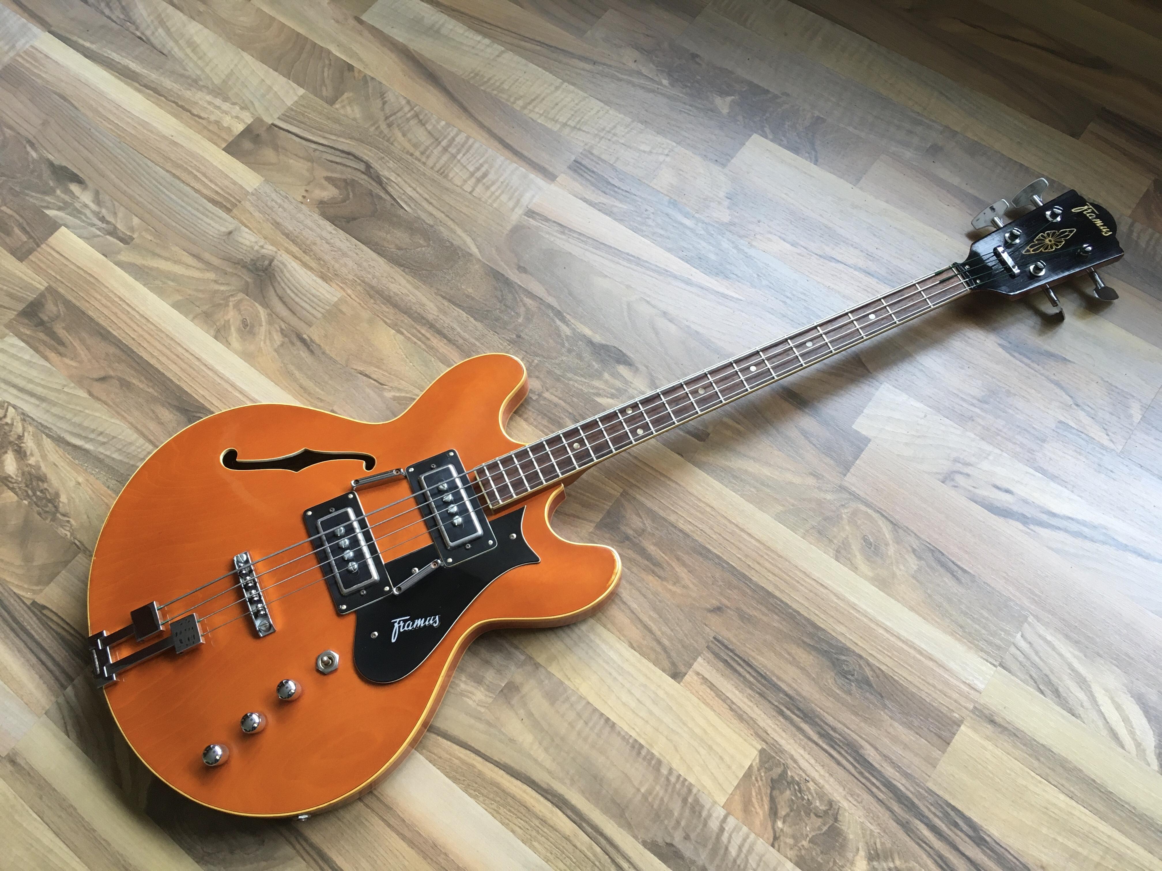 Framus Bass Caravelle 5/153 von 1969